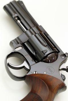 korth revolver Find our speedloader now! http://www.amazon.com/shops/raeind