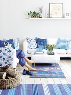 how to decorate a blue room  hot color trend for 2014 - bright blue rustic chic designs