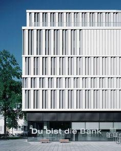 Arkitekturfotograf Rasmus Norlander, Bechter Zaffignani Architekten · Raiffeisenbank im Rheintal · Divisare
