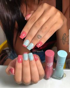 Cozy winter designs ⠀⠀ ⠀⠀ We warm ourselves and warm the nails. Edgy Nails, Grunge Nails, Bling Nails, Stylish Nails, Glam Nails, Cute Acrylic Nails, Cute Nails, Pretty Nails, Pink Holographic Nails