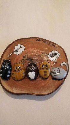 Pebble stone, stone art, rock and Pebble Painting, Pebble Art, Stone Painting, Rock Painting, Cat Crafts, Diy And Crafts, Arts And Crafts, Stone Crafts, Rock Crafts