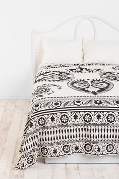 Cheap guest bed cover