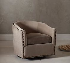 Charmant Harlow Upholstered Swivel Armchair From Pottery Barn.