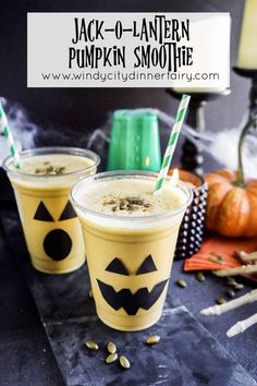 Jack-O-Lantern Pumpkin Smoothie - The Windy City Dinner FairyThe Windy City Dinner Fairy Kiwi Smoothie, Pumpkin Smoothie, Coconut Smoothie, Green Smoothie Recipes, Fruit Smoothies, Healthy Smoothies, Drink Recipes, Vitamin A, Blackberry Smoothie
