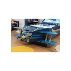 Attachez vos ceintures et apprêtez-vous à décoller pour de nouvelles aventures ! Le lit avion enfant facilite le passage du lit à barreux au lit normal. KIDKRAFT