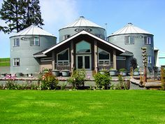 #Upcycled grain silo turned Bed & Breakfast in Oregon. #Travel #ecotourism