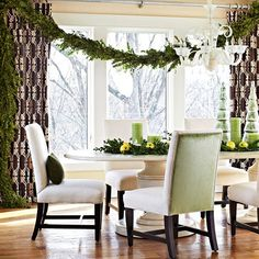 Gorgeous graphic lattice print curtains. Would look awesome by the Bay Window in Living Room.