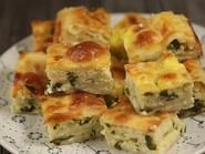 Placinte cu cartofi si mujdei de usturoi Sweets Recipes, Fall Recipes, Romanian Food, Pastry And Bakery, Spanakopita, Quiche, Sushi, Breakfast, Ethnic Recipes