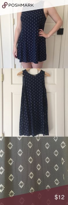Navy blue sundress Navy blue sundress with white diamond shaped pattern. Slight deodorant marks shown in last pic, will come off in the wash total length of dress is 33 inches from shoulder to bottom Old Navy Dresses Mini