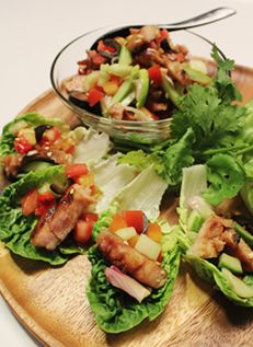 เมี่ยงยำหมูย่าง Roasted Pork Salad Bites