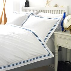 white with royal blue cord king of cotton White Cotton Curtains, Cotton Bedding, Linen Bedding, Best Bedding Sets, Luxury Bedding Sets, Duvet Sets, King Duvet Set, Queen Duvet, Table Haute
