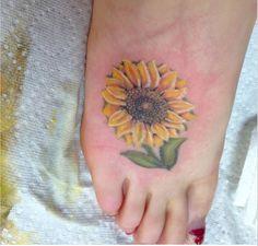 27 Amazing Sunflower Tattoos Ideas