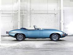 pinterest.com/fra411 #classic #car - Jaguar E-Type Roadster 1961