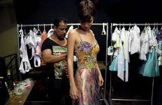 Carlos+Alberto+Backstage+Mercedes+Benz+Fashion+UXUGr3TyCeMl.jpg (594×386)