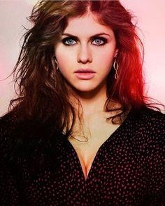 """292 Me gusta, 3 comentarios - Alexandra Daddario (@alexandra_daddario) en Instagram: """"She's the best. ❤❤❤ #beautiful #alexandradaddario"""""""