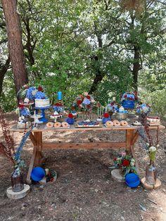 βάπτιση με λουλούδια και ρουστίκ στοιχεία μέσα στο δάσος σε μπλε και κόκκινες αποχρώσεις . #αρτοποιειν #artopoiein #artοποιειν Baptisms, Flowers, Gifts, Decor, Presents, Decoration, Favors, Decorating, Royal Icing Flowers