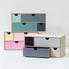 A drawer unit for little keepsakes. In stores now. Price DKK 78,00 / SEK 106,00 / NOK 113,00 / EUR 10,95 / ISK 2134 / GBP 9.89  #interior #homedecor #workspace #grenehome