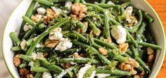 Salade de haricots verts à la feta, menthe et noix