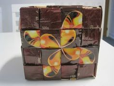 hahvipussi kori Candy Wrappers, Origami, Cube, Recycling, Toys, Bag, Candy Cards, Activity Toys, Candy Bar Wrappers