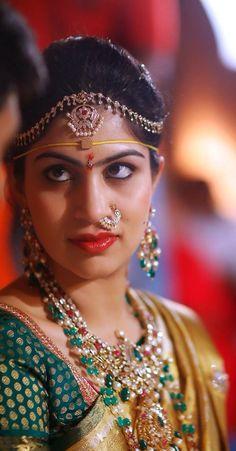 Diamond bridal jwelery South Indian Jewellery, Indian Jewellery Design, Indian Jewelry, Gold Jewellery, Latest Jewellery, Bridal Silk Saree, Saree Wedding, Wedding Shoot, Wedding Bride