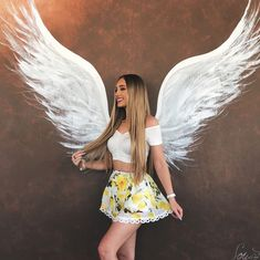 Angel baby 🌬 outfit from Aspen Mansfield, Flight Outfit, Looks Pinterest, Angel Outfit, Teenage Girl Photography, Girls Dpz, Poses, Women Swimsuits, Girl Pictures