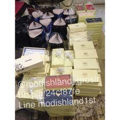 Wholesaler/reseller??  Contact me.   1st branded replica supply www.modishland.com Line stevany39 087717770909 Jkt-sunter