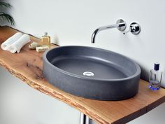 Concrete washbasin OVUM by Gravelli design Tomáš Vacek