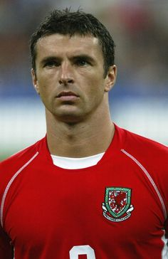 This man would have been so proud tonight . Congratulations to Chris Colman all the players and everyone involved in welsh football. Wales Football Team, Welsh Football, Pure Football, Football Icon, Vintage Football, Football Players, Leeds United Team, Leeds United Football, Soccer World