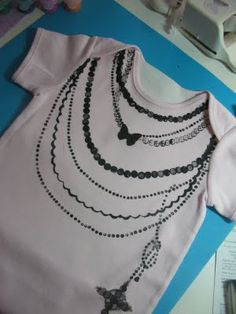 Great tutorial on how to use freezer paper as a stencil. I'm going to make designs with my Cricut and transfer them to my clothes.