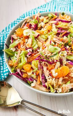 Healthy Dinner Salads That Are Anything But Boring Chinese Chicken Mandarin Salad Delish Restaurant Recipes, Dinner Recipes, Chinese Chicken, Chinese Food, Chinese Salad, Cooking Recipes, Healthy Recipes, Healthy Salads, Fast Recipes