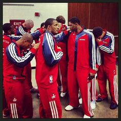(2-0) 76ers 109-102 Wizards (0-2)