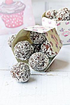 Gyermekkorom kedvenc édessége: az ellenállhatatlan kókuszgolyó | Rupáner-konyha