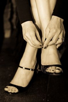 Cada vez que me pongo los zapatos de baile, algo más se hace cargo, Todo lo que…