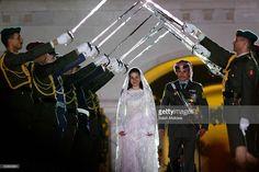 Crown Prince Hamzeh of Jordan (24 )and his bride Princess Noor (22) smile during their wedding celebrations held May 27, 2004 in Amman, Jordan. Hamzeh and Noor registered their marriage on August 29, 2003.
