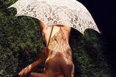 Amanda Charchian, desnudez Analógica   La Bici Azul: Blog de decoración, tendencias, DIY, recetas y arte