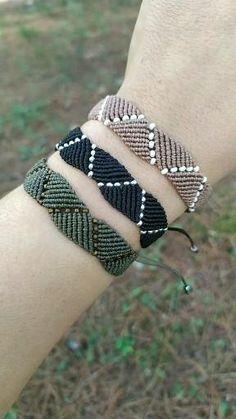 Diy Bracelets Patterns, Diy Friendship Bracelets Patterns, Hippie Bracelets, Thread Bracelets, Seed Bead Bracelets, Handmade Bracelets, Macrame Bracelet Diy, Macrame Bracelet Patterns, Bracelet Crafts