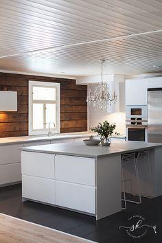 Kitchen Island, Interior, Home Decor, Kitchen Ideas, Flora, House Ideas, Decorations, Houses, Island Kitchen