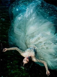 Photography poses dress 34 Ideas for 2019 Fantasy Photography, Underwater Photography, Photography Poses, Fashion Photography, Whimsical Photography, Foto Fantasy, Fantasy Dress, Fantasy Art, Character Inspiration