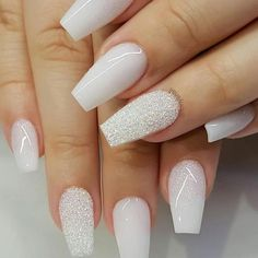 Nail art is a very popular trend these days and every woman you meet seems to have beautiful nails. It used to be that women would just go get a manicure or pedicure to get their nails trimmed and shaped with just a few coats of plain nail polish. Nagellack Design, New Year's Nails, Nails For New Years, Nagel Gel, Best Acrylic Nails, Winter Acrylic Nails, Gorgeous Nails, Christmas Nails, Holiday Nails