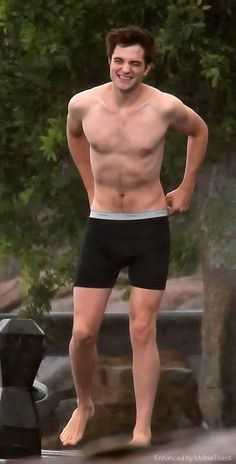 Rob on the set of Breaking Dawn Part 1, looking great in his manties :-)  {MelbieToast enhancement}