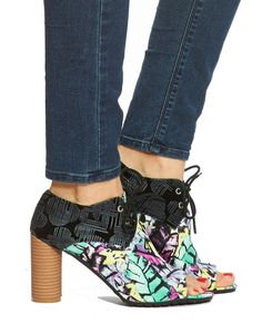 I have these.  Yes, they are gorgeous (and #vegan) and yes, they are not very comfortable. But I still love them!