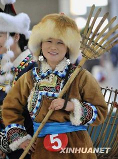 mongolian traditional winter clothing