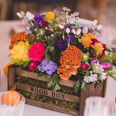 Bright blooms in rustic crates get us every time...image by @f2studio planning & styling by @bodasdecuento