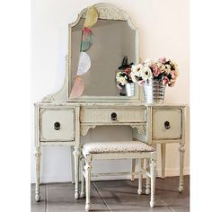 Happy Thursday friends!  a 1930s shabby chic vanity, you really can't see the details here, but it is lovely.