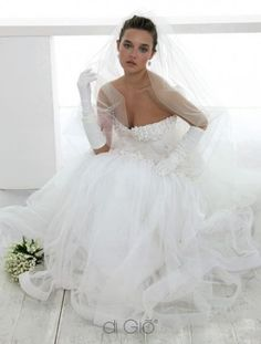 Vestito da sposa con corpetto a cuore decorato e gonna in tulle Abiti Da  Sposa Da cb897d8e2d8