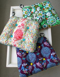 sewing cushions Nine years, eleven months, twenty-six days to carefully think about it. Four days to make. My tush loves them. - Brighten up the busiest room in your home with these adorable kitchen sewing projects. Kitchen Chair Cushions, Rocking Chair Cushions, Outdoor Seat Cushions, Diy Chair, Outdoor Seating, Swivel Chair, Kitchen Chair Pads, Porch Chairs, Green Cushions