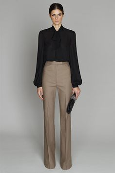 Photos of the runway show or presentation for Monique Lhuillier Pre-Fall Prefall 2011 Womenswear Shows in New York. Office Wear Women Work Outfits, Office Attire Women, Stylish Work Outfits, Work Attire, Work Casual, Casual Outfits, Fashion Outfits, Office Outfits, Fall Outfits