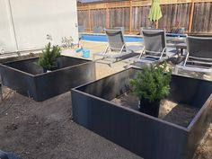 This a great and easy way to create a custom corten steel garden at an affordable price and minimum installation time. Planter Beds, Garden Planters, Garden Beds, Garden Art, Garden Tools, Garden Design, Container Vegetables, Container Gardening, Custom Metal Fabrication