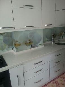 Fatih'te üç boyutlu mutfak tezgah arası cam kaplama
