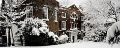 The Winchester House in England in the snow. Snow Scenes, Winter Landscape, Winchester, Luxury Cars, Skiing, Castle, England, Romantic, Garden